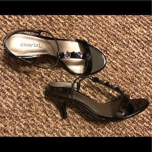 Adorable black heels, size 6